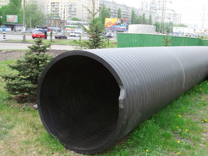 труба пластиковая больше 300мм